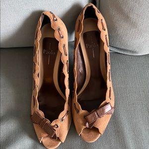 Linea Paolo peep to heels